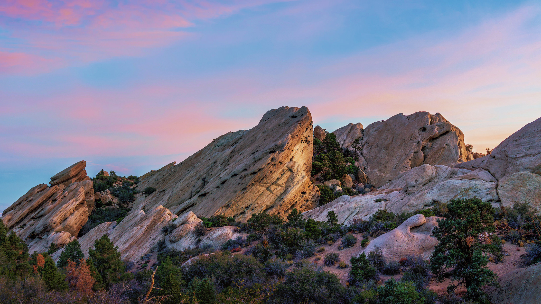 sunrise at devil's punchbowl