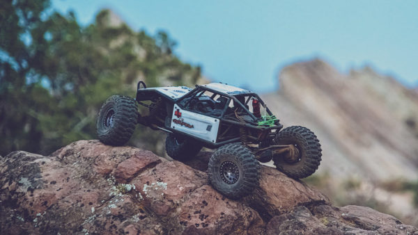 Axial On The Rocks